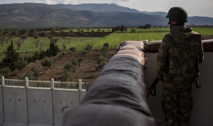 جندي تركي من حرس الحدود قرب الحدود السورية (غيتي-أرشيف)