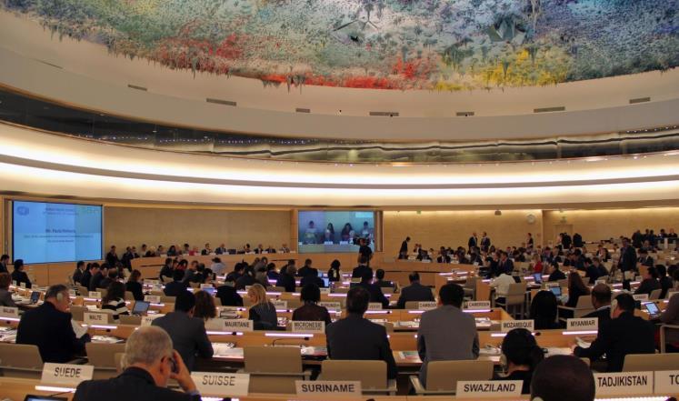 مجلس حقوق الإنسان في جنيف طالب بضمان عقاب مرتكبي جرائم ميانمار وتحقيق العدالة للضحايا المسلمين (غيتي)