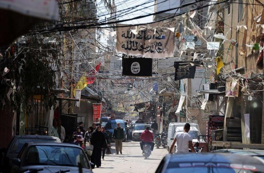 مخيم عين الحلوة للاجئين الفلسطينيين جنوب لبنان