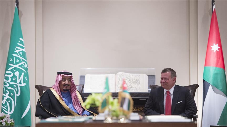 العاهل السعودي الملك سلمان بن عبدالعزيز آل سعود، ونظيره الأردني الملك عبدالله الثاني