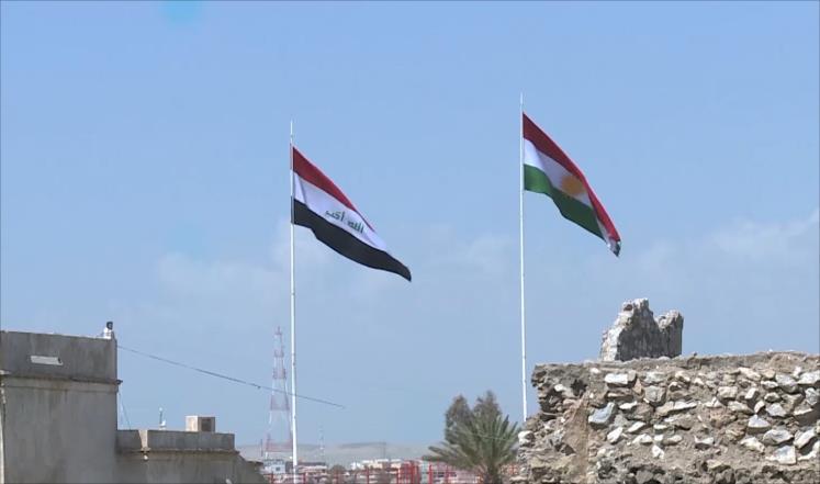 البرلمان العراقي رفض السبت رفع العلم الكردي إلى جانب العراقي في محافظة كركوك (الجزيرة)