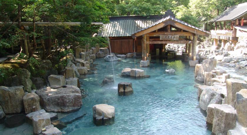 حمم الينابيع الساخنة في طوكيو-اليابان