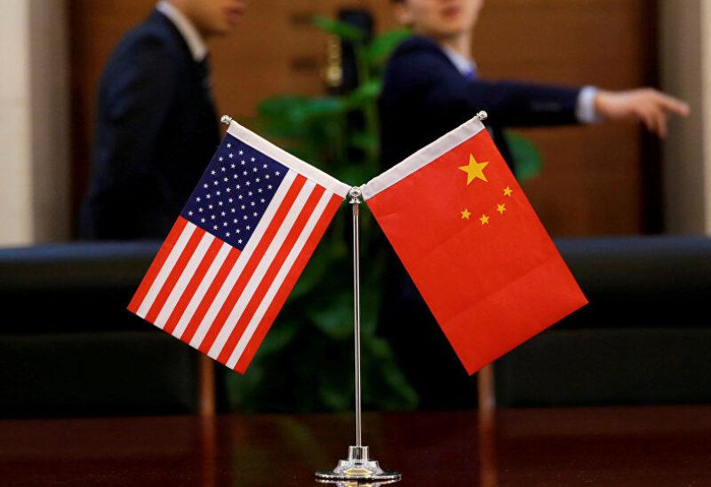 العلم الصيني والأمريكي