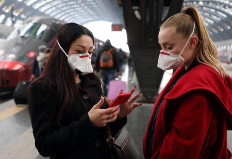 بات معظم سكان دول العالم يستخدم الأقنعة والقفازات للوقاية من فيروس كورونا