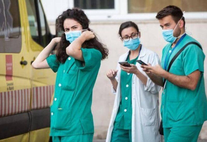 الطواقم الطبية في اسبانيا