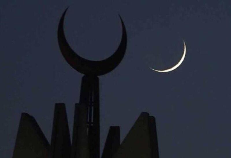 تحري هلال رمضان