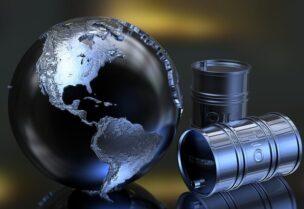 انهيار تاريخي لسعر النفط الأمريكي