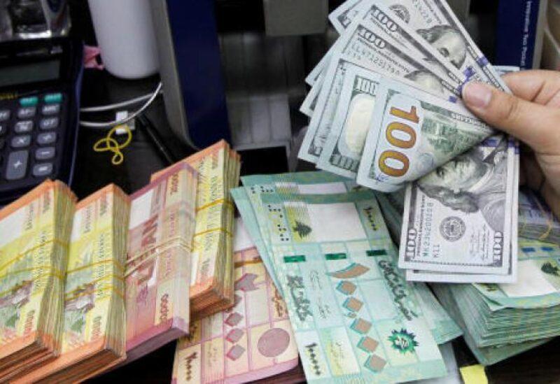 تعميم جديد لنقابة الصرافين عن استمارة بيع الدولار