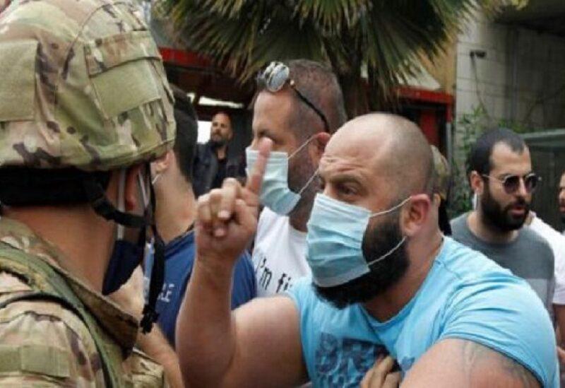 ضاق اللبنانيون ذرعا من تردي الأوضاع المعيشية في بلادهم