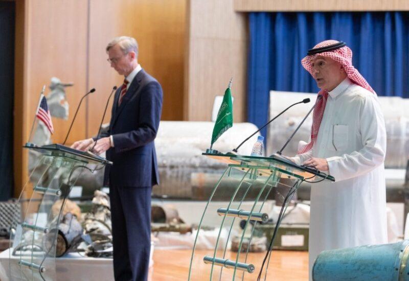 الجبير وبراين هوك في المؤتمر المشترك