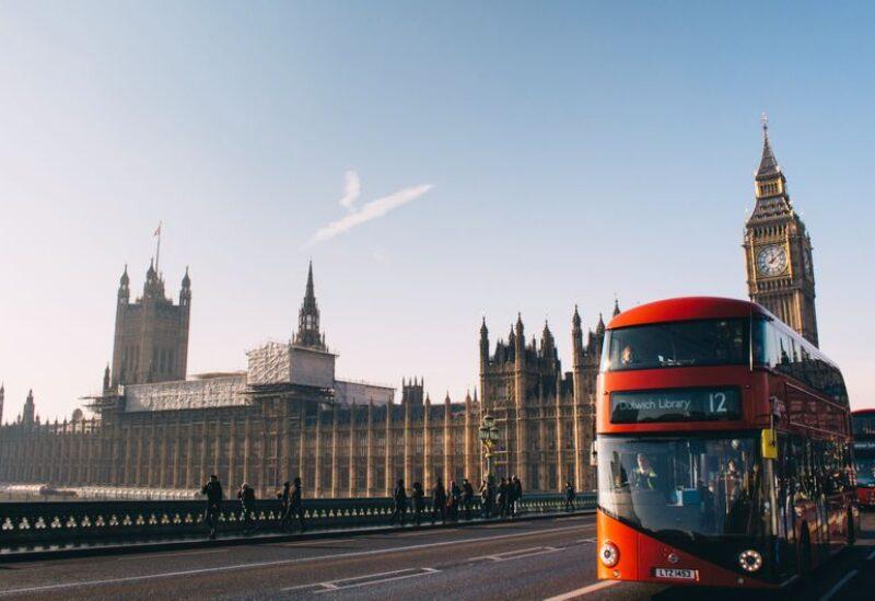 الحافلات في لندن- أرشيفية