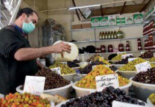 قلق في دمشق من أزمة دواء وغذاء بعد تدهور الليرة