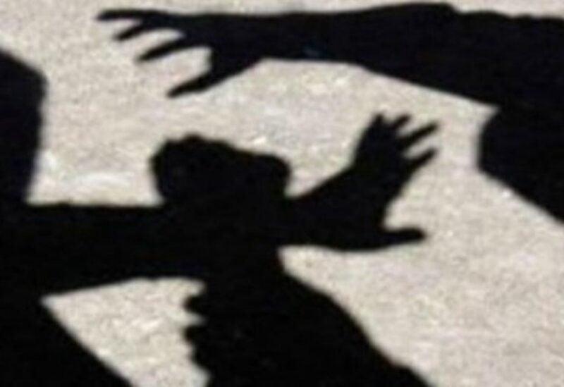 شبان في البقاع يعتدون على طفل بالضرب والتحرش الجنسي (تعبيرية)