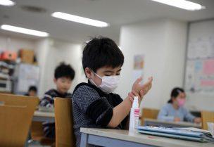 """كميات """"هائلة"""" من فيروسات كورونا يحملها الأطفال مقارنه بالكبار"""
