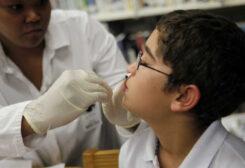 بخاخ في الأنف ينجح باحتواء فيروس كورونا بنسبة 96 بالمئة