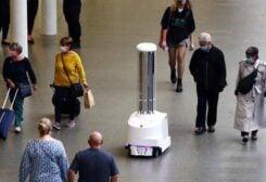 روبوتات تلاحق كورونا في قطارات لندن
