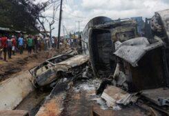 قتلى وجرحى في انقلاب شاحنة محملة بالوقود في نيجيريا
