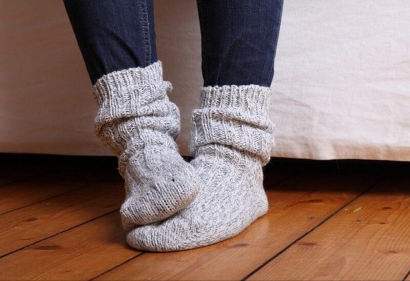 هذه أسباب برودة القدمين وكيفية علاجها