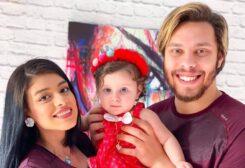 اليوتيوبر أحمد حسن وزوجته