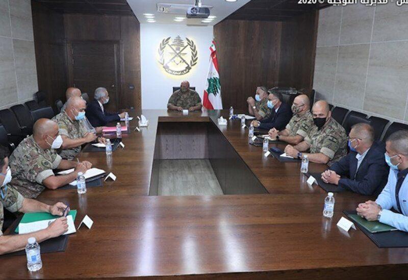 اجتماع قائد الجيش مع قائد قوات الأمم المتحدة المؤقتة