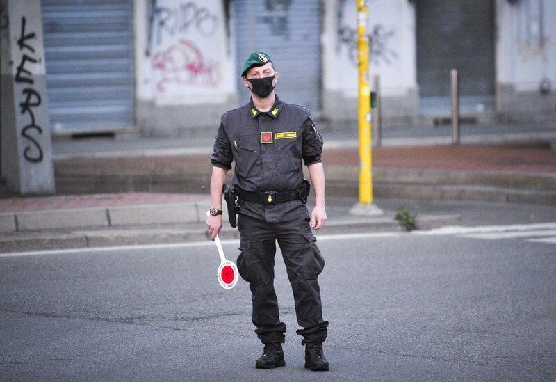 إيطاليا تعيد فرض حظر التجول بسبب كورونا