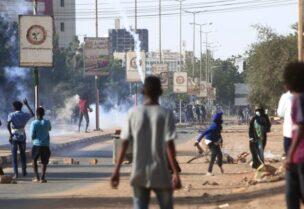احتجاجات في الخرطوم للمطالبة بتحسين الأوضاع