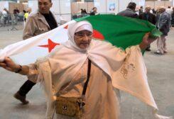الجزائر تبدأ عملية الاستفتاء على الدستور