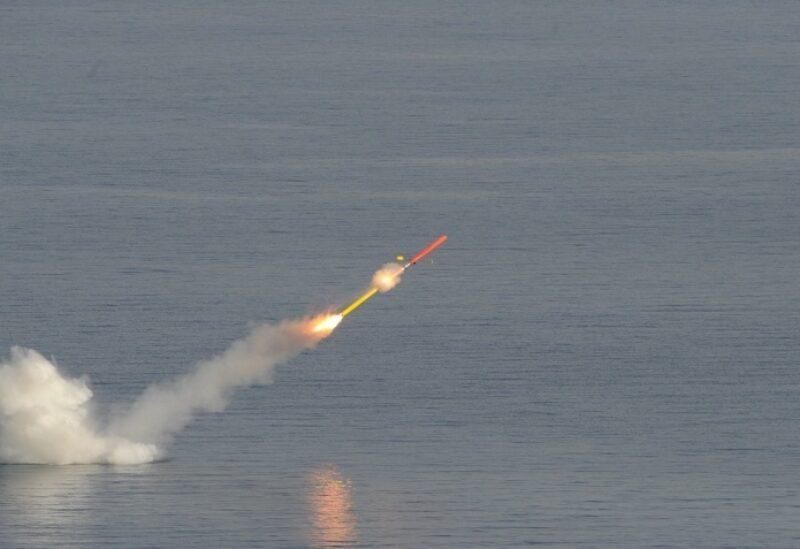 فرنسا تطلق بنجاح أول صاروخ كروز من غواصة