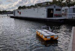 روبوتات مائية تنقل أول مجموعة ركاب