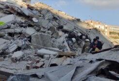 أضرار الزالزال الذي ضرب مدينة إزمير غي تركيا