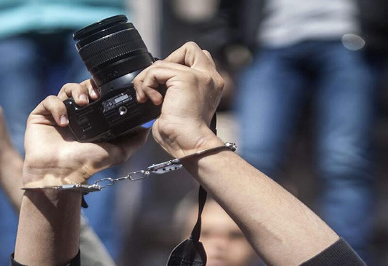 قمع الصحفيين في ايران-تعبيرية