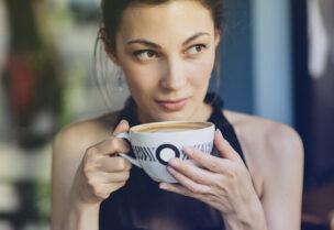 ينصح بشرب القهوة من دون سكر ومن دون إضافة الحليب لخسارة الوزن
