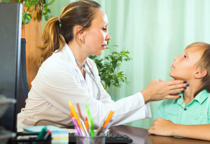 إن قصور الغدة الدرقية يؤثر سلباً على الأطفال