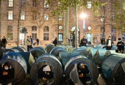 الشرطة الفرنسية تخلي مخيم للاجئين وسط باريس
