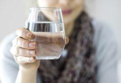 فوائد صحية عديدة لشرب الماء بشكل منتظم