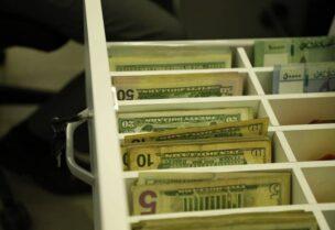 الليرة تواجه مصير مجهول مع ارتفاع سعر صرف الدولار في السوق السوداء