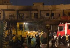 مصادمات بين المحتجين وأنصار رجل الدين الشيعي مقتدى الصدر