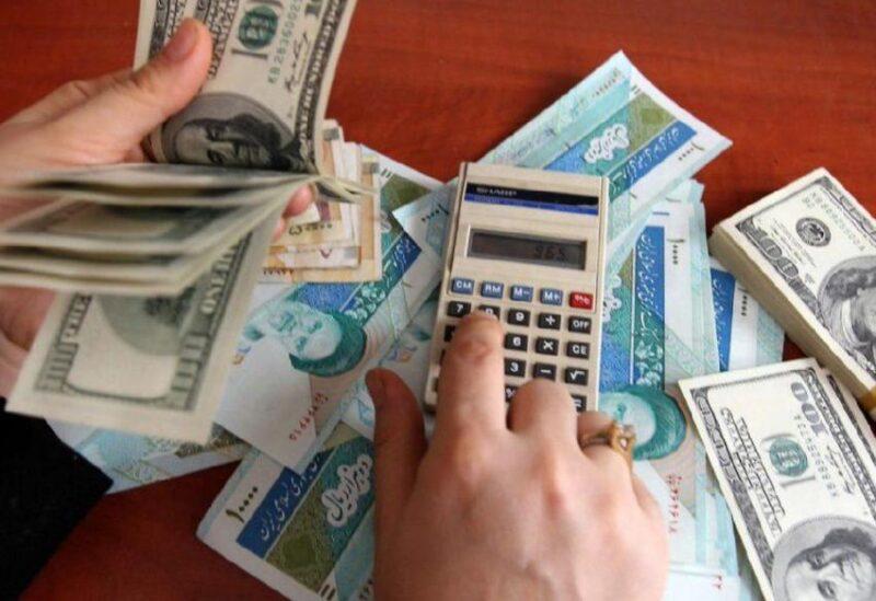 انخفاض شديد في العملة الإيرانية مقابل الدولار