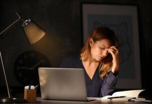 يعاني العاملون في فترة الليل من أعراض مرضية عديدة