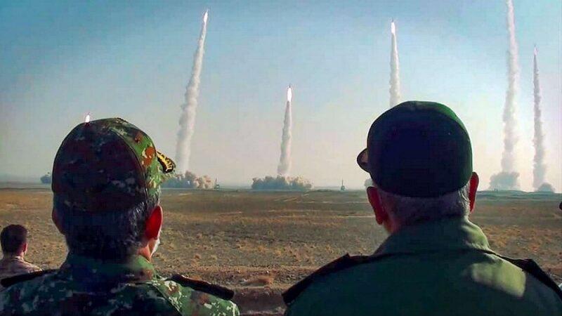 مناورات عسكرية إيرانية-أرشيفية