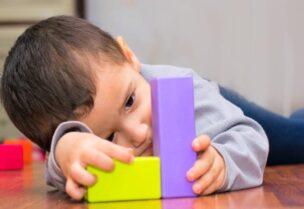التوحد هي أحد الاضطرابات التي تصيب الأطفال