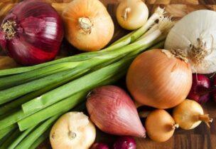 فوائد عديدة لتناول البصل